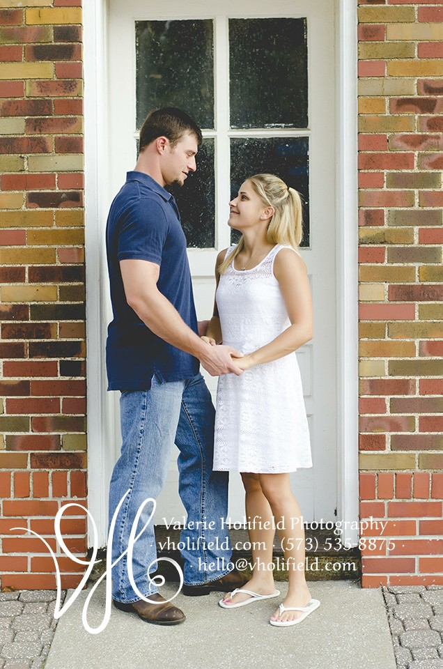 Festus/Crystal City Engagement Photographer | Cary & Megan