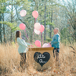Ste. Genevieve Photographer | Gender Reveal, Robbins Girl